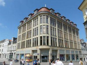 Wird Kaufhof von Karstadt übernommen?